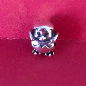 Adorable Pandora long retired chick charm